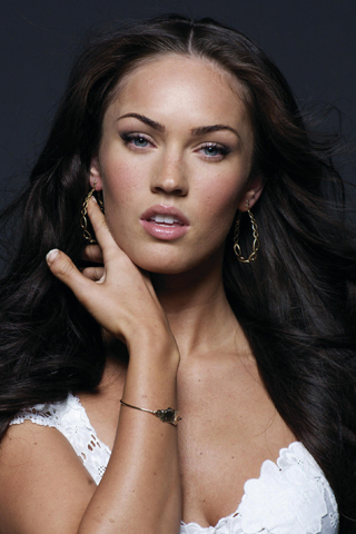 Megan Fox and her crazy thumb.